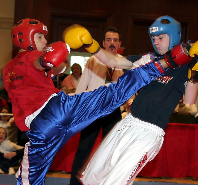 clases de kick boxing gimnasio barcelona aprender kick boxing gimnasio barcelona