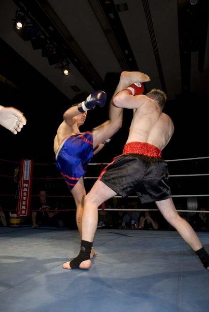 clases de kick boxing gimnasio barcelona aprender kick boxing barcelona gimnasio
