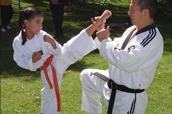 clases de taekwondo infantil barcelona gimnasio clases de taekwondo para niños gimnasio barcelona aprender boxeo infantil aprender taekwondo para niños barcelona gimnasio