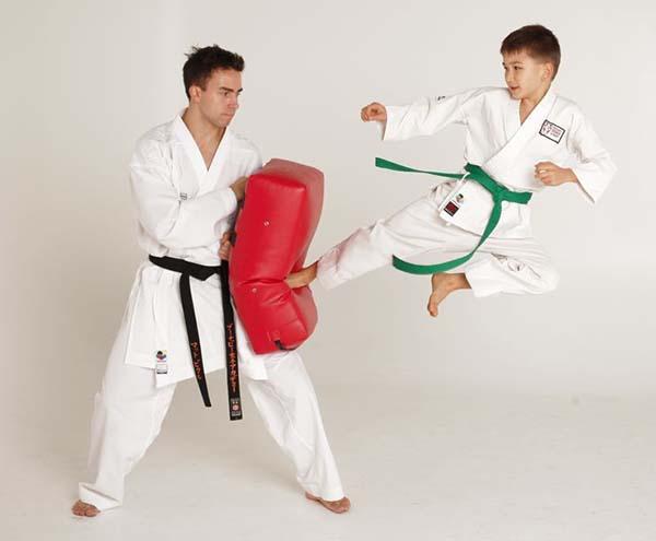 clases de karate infantil barcelona gimnasio clases de karate para niños gimnasio barcelona aprender karate infantil aprender karate para niños barcelona gimnasio